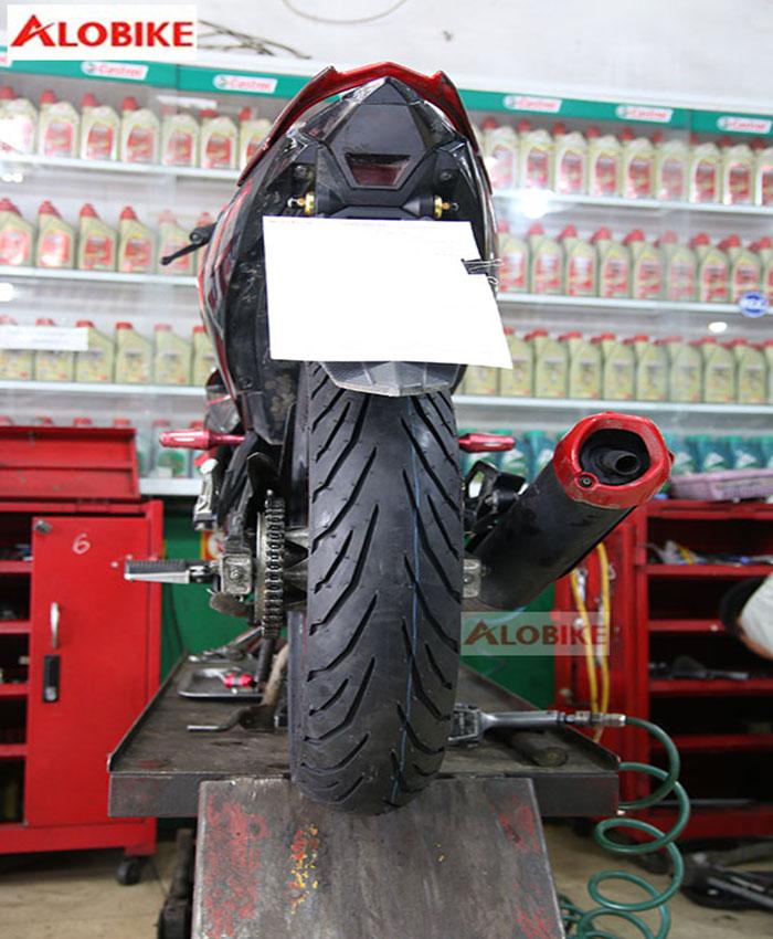 Lốp Pirelli 140/70 - 17 M/C 66S TL Angel City xe CB