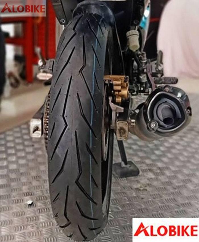 Lốp xe máy pirelli 130/70-17  Diablo rosso sport xe CB 150, CBR