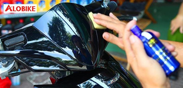 Cách sơn bóng xe máy bền đẹp như mới tại Hà Nội