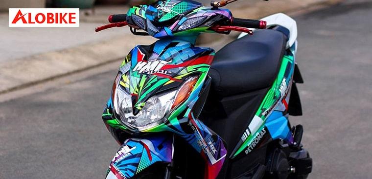 Cách tẩy vết sơn dính trên xe máy nhanh sạch nhất